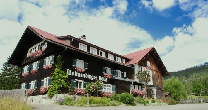 Walliserhus Gruppenhaus im Kleinwalsertal